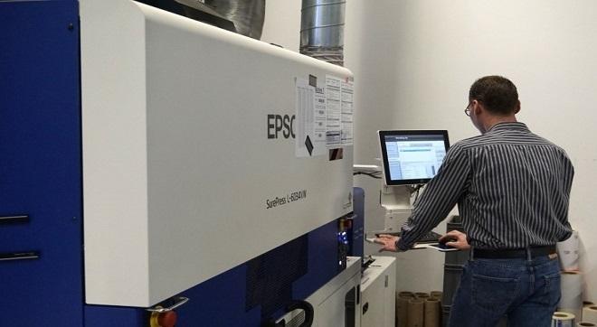 print-ID разширява производството си на етикети с Epson SurePress L-6034V